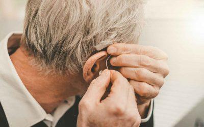 Pulizia degli apparecchi acustici: consigli pratici per eseguirla al meglio